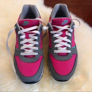 Super cute Nikes (Big Girl's size 7 / Women's 8.5)